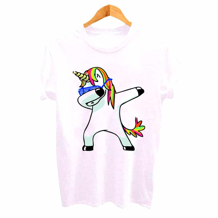 UN T-SHIRT LICORNE FASHION HIP HOP