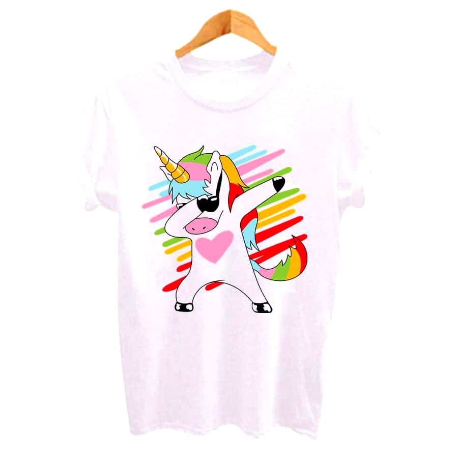 UN T-SHIRT LICORNE FASHION HIP HOP ARC-EN-CIEL