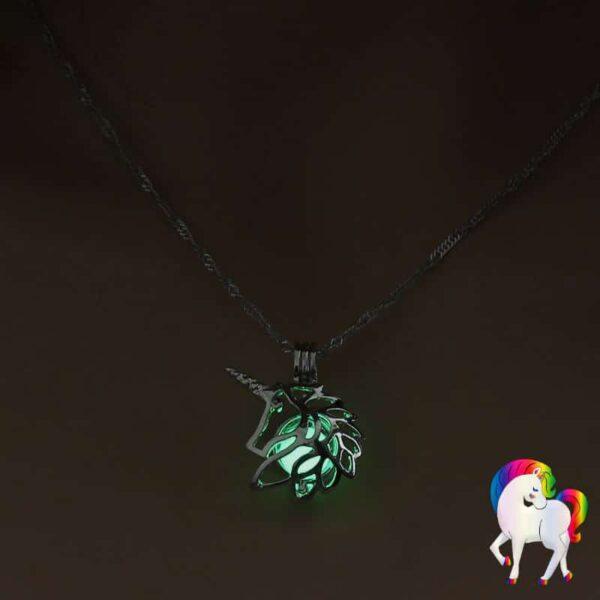 Collier pendentif licorne lumineux vert-clair
