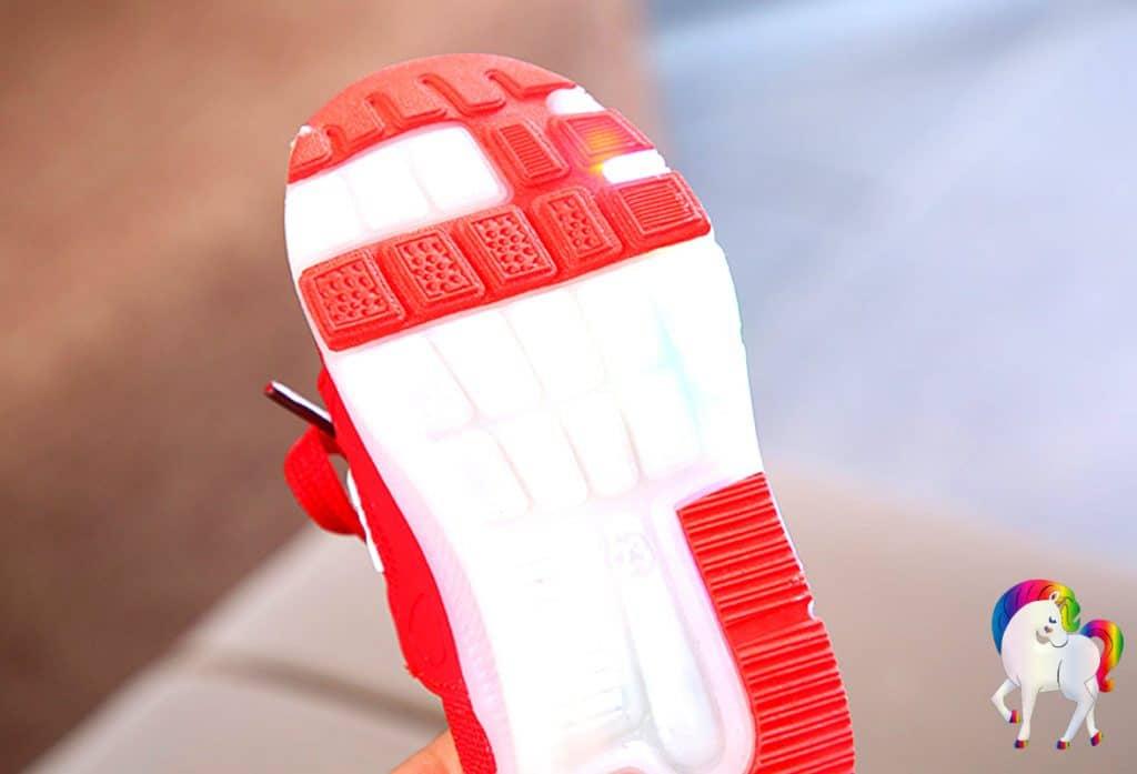 Baskets lumineuses licornes rouge Vue de la semelle