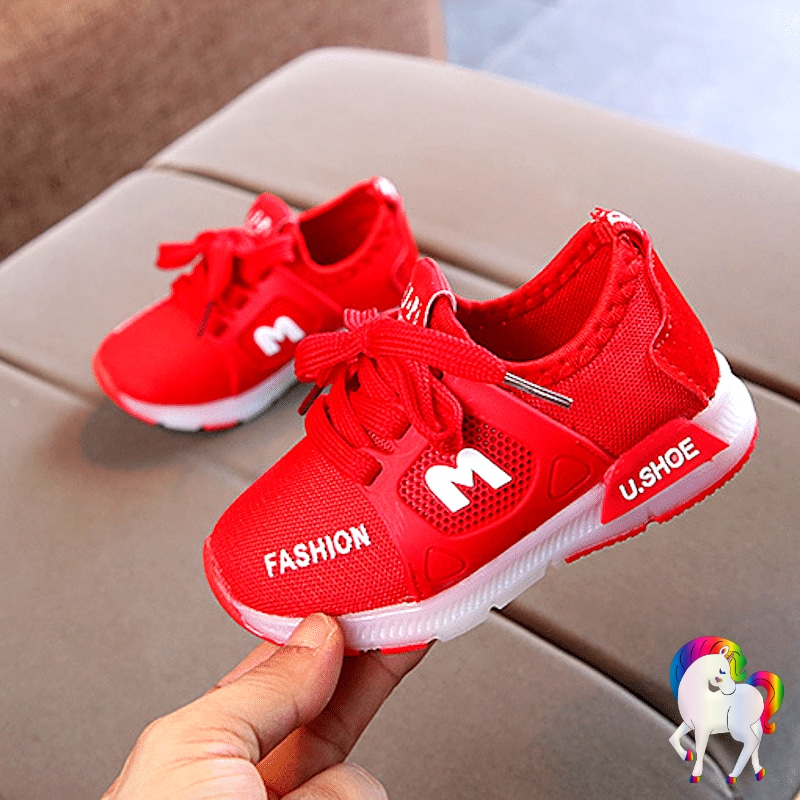 Baskets lumineuses licornes rouge vue de coté