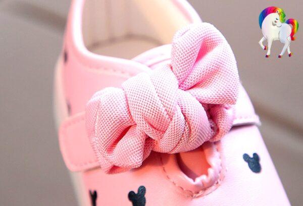 Baskets lumineuses filles licornes rose vue de prêt